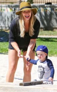 rs_634x1024-130827200422-634_Hilary-Duff-Luca-Park_ms_082713