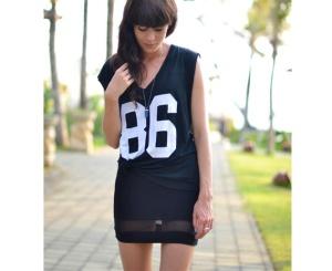 saia-preta-camiseta-com-numeros-camiseta-sporty-tendencia-esportiva-looks-transparencia