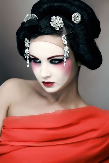 geisha-makeup-for-halloween