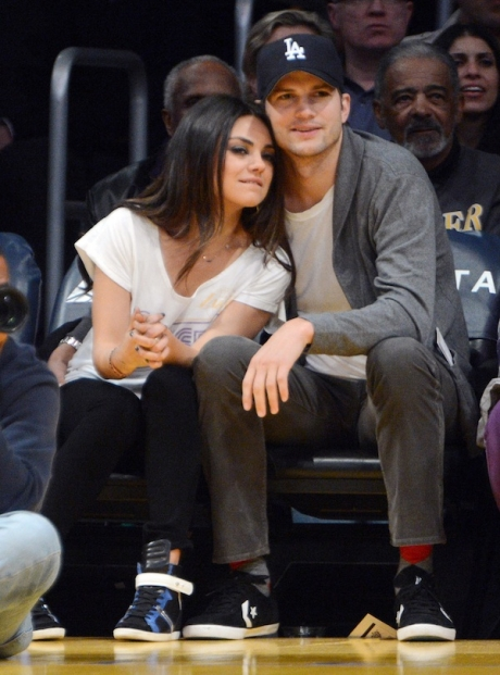 Mila-Kunis-and-Ashton-Kutcher-ashton-kutcher-and-mila-kunis-35732537-460-621