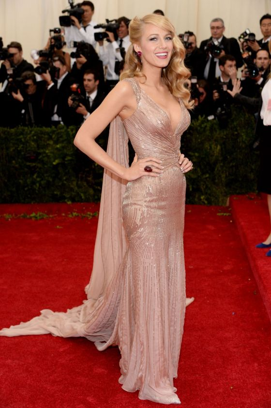 blake-lively-at-met-gala-2014-in-new-york_6