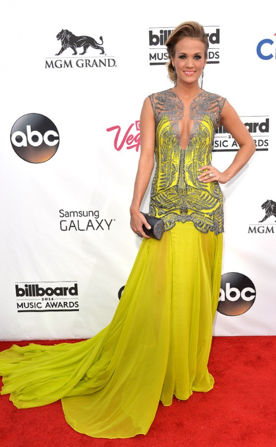 rs_634x1024-140518164303-634.Carrie-Underwood-Billboard-Music-Awards.051814