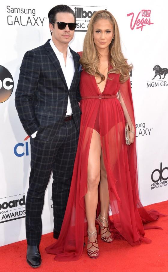 rs_634x1024-140518165351-634.Jennifer-Lopez-Casper-Smart-Billboard-Awards.jl.051814