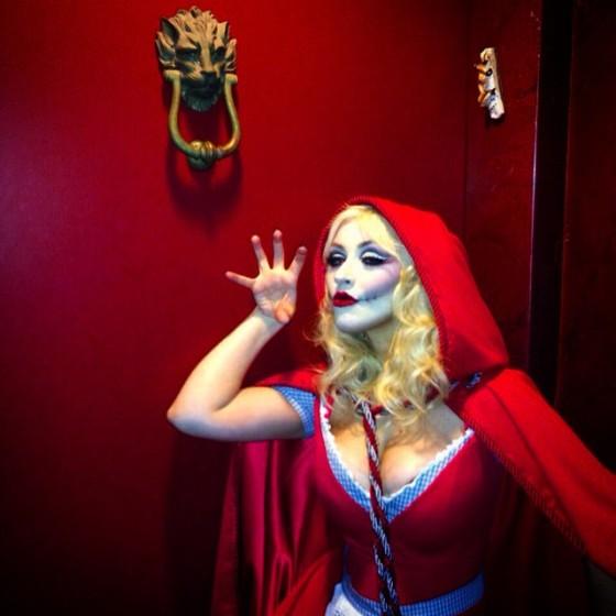 Christina Aguilera de Chapeuzinho Vermelho (Morta)