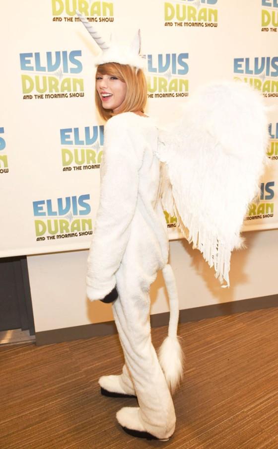"""Taylor Swift de """"Pegacorn"""" (Pegasus e Unicórnio)"""