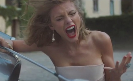 Taylor-Swift-faz-a-namorada-louca-e-possessiva-no-clipe-de-Blank-Spce