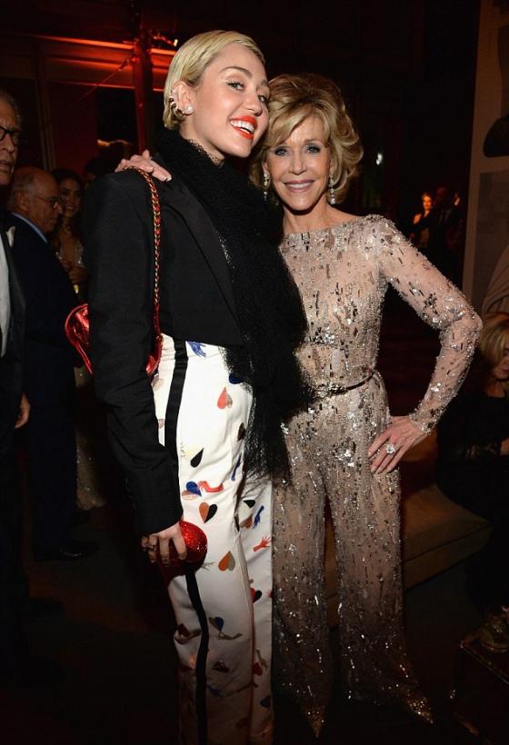 Miley-Cyrus-Jane-Fonda